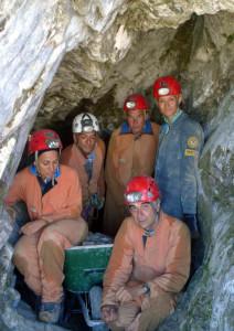 22 Agosto 2010: il gruppo di scavatori all'ingresso